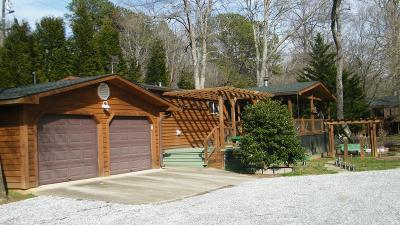 Single Family Home For Sale: 82 Woodchuck Ln
