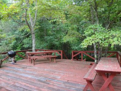 Huge Deck Facing the Creek