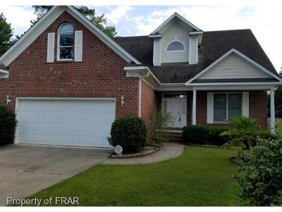 Fayetteville Single Family Home For Sale: 132 Highgrove Ct