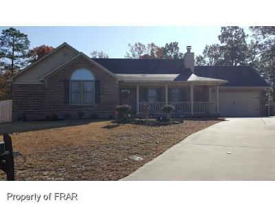 Hope Mills NC Single Family Home For Sale: $144,000
