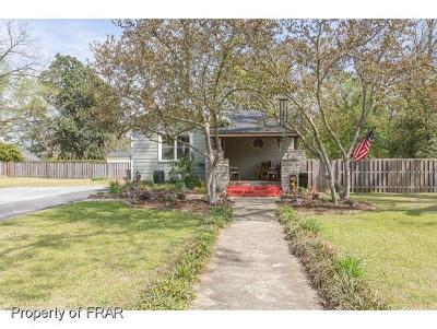 Fayetteville Single Family Home For Sale: 220 Oakridge Avenue