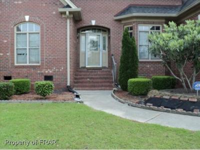 Robeson County Single Family Home For Sale: 510 Cherry Ln