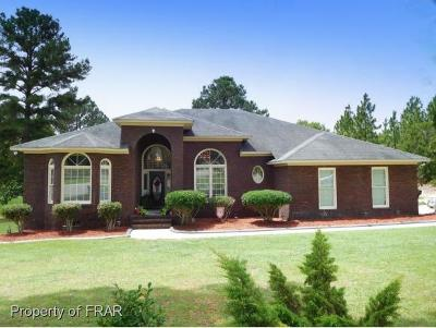 Fayetteville Single Family Home For Sale: 501 Swan Island Court