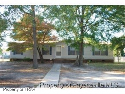 Hope Mills NC Single Family Home For Sale: $60,000