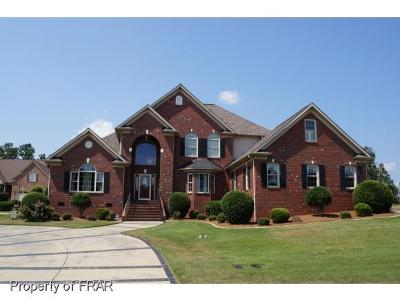 Fayetteville Single Family Home For Sale: 428 Swan Island Court