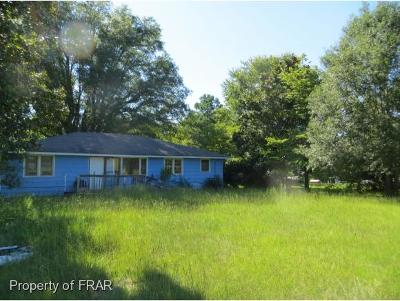 Hope Mills NC Single Family Home For Sale: $125,000