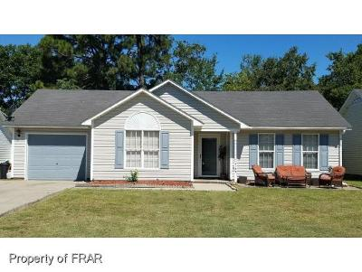Hope Mills NC Single Family Home For Sale: $102,000