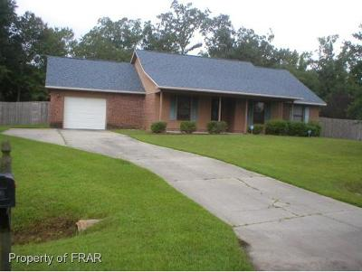 Raeford NC Single Family Home For Sale: $138,000