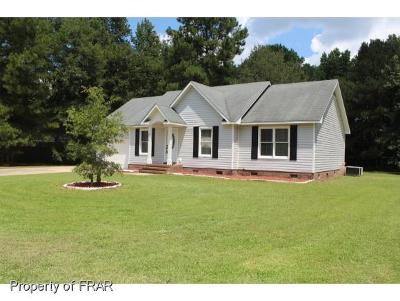 Raeford NC Single Family Home For Sale: $107,000