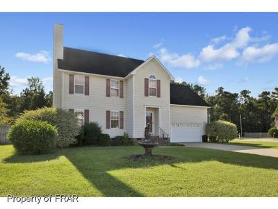 Hope Mills Single Family Home For Sale: 5500 Shady Pine Ct #1