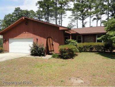 Hope Mills Single Family Home For Sale: 214 Range Road