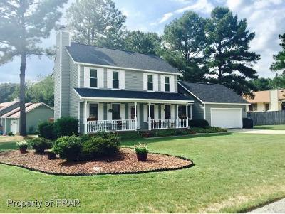 Fayetteville Single Family Home For Sale: 906 Flintwood Rd