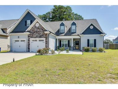 Fayetteville Single Family Home For Sale: 3437 Summer Cove Dr