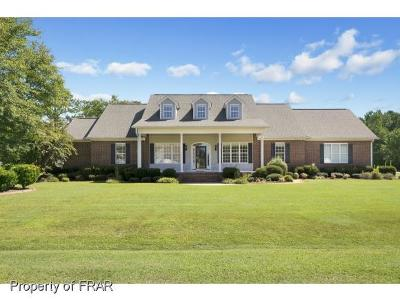 Fayetteville Single Family Home For Sale: 764 Three Wood Dr