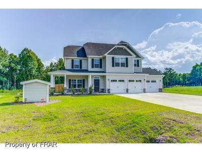 Hope Mills Single Family Home For Sale: 6817 Hunters Den Rd #196