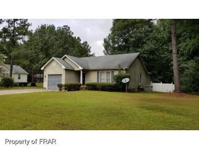 Raeford NC Single Family Home For Sale: $96,000