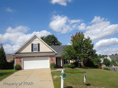 Hope Mills NC Single Family Home For Sale: $167,000