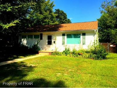 Fayetteville Single Family Home For Sale: 115 Hunter Cir