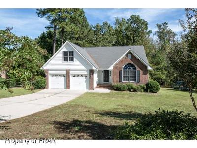 Fayetteville Single Family Home For Sale: 1689 Sykes Pond Rd