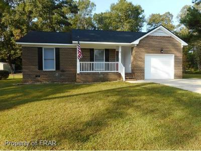 Raeford Single Family Home For Sale: 471 Berwick Dr