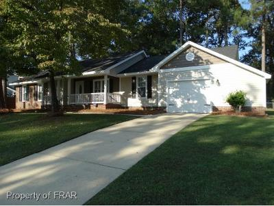 Fayetteville Single Family Home For Sale: 536 Offing Dr