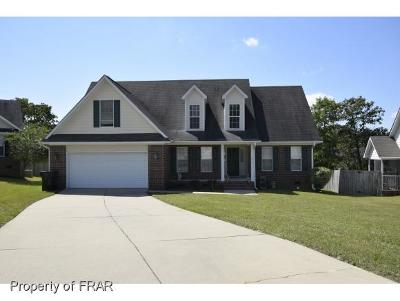 Fayetteville Single Family Home For Sale: 1014 Foxhound Ct #150