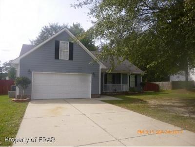 Raeford NC Single Family Home For Sale: $156,000