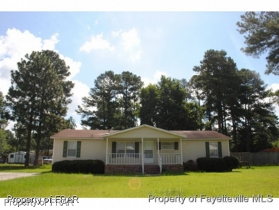Raeford NC Rental For Rent: $800