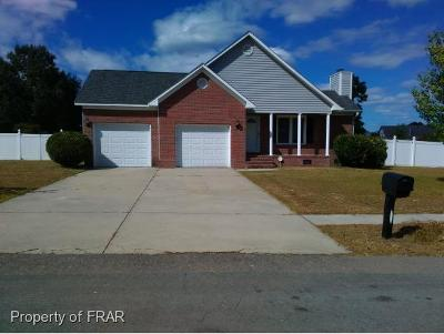 Raeford NC Single Family Home For Sale: $155,000