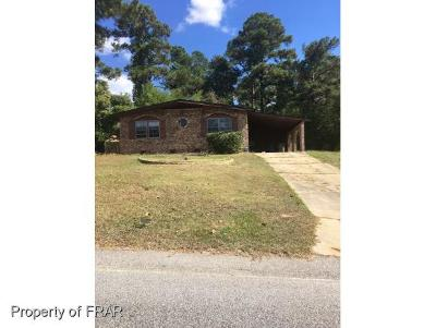 Fayetteville Single Family Home For Sale: 104 Ingleside Dr
