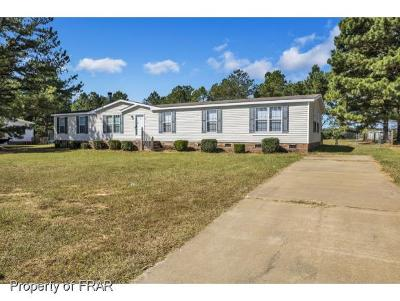 Raeford NC Single Family Home For Sale: $103,500