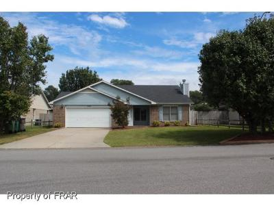 Hope Mills NC Single Family Home For Sale: $116,000