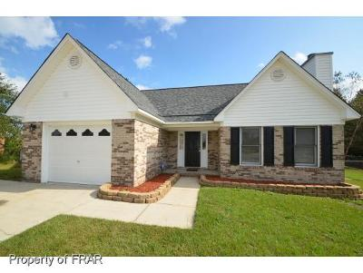 Fayetteville Single Family Home For Sale: 105 Oriole Ct #96