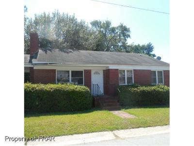 Fayetteville Single Family Home For Sale: Pinecrest