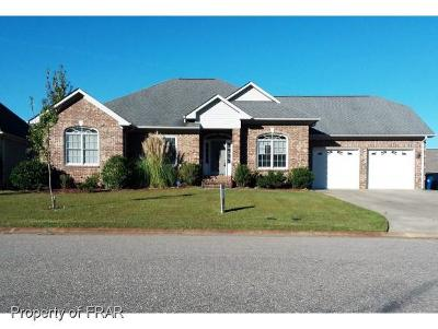Fayetteville Single Family Home For Sale: 424 W. Summerchase Drive