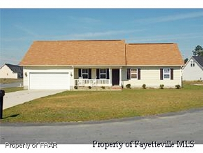 Hope Mills NC Single Family Home For Sale: $129,900