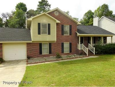 Fayetteville Single Family Home For Sale: 2009 Calista Cir