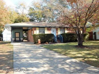 Fayetteville Single Family Home For Sale: 2605 Sedgefield Drive
