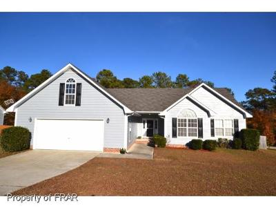 Raeford Single Family Home For Sale: 302 Somerset Drive #145