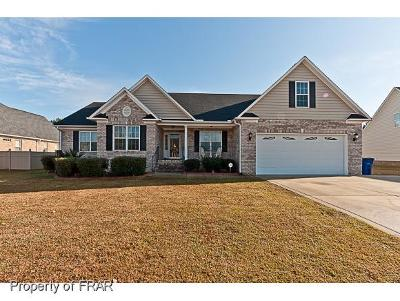 Hoke County Single Family Home For Sale: 236 Oakridge Dr