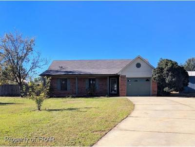 Fayetteville Single Family Home For Sale: 104 Duck Pl