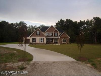 Hoke County Single Family Home For Sale: 1572 Golf Course Rd #4