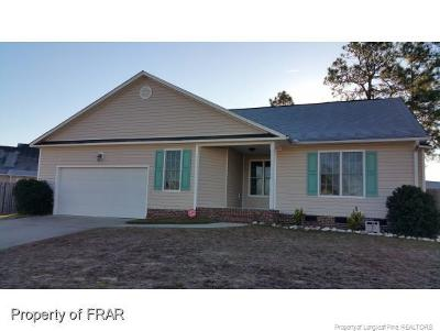 Fayetteville Single Family Home For Sale: 5517 Thackeray Dr