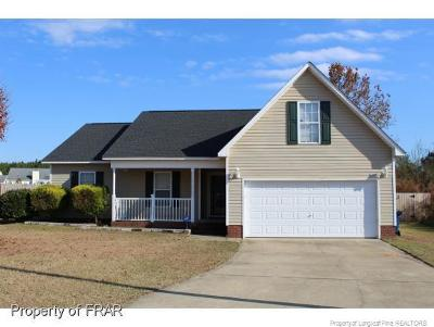 Raeford Single Family Home For Sale: 121 Norris Ct