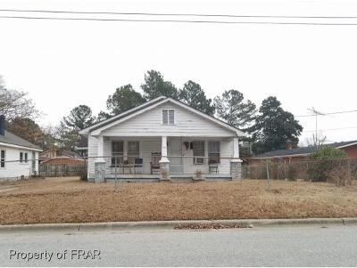 Sampson County Single Family Home For Sale: 204 Nolley Street