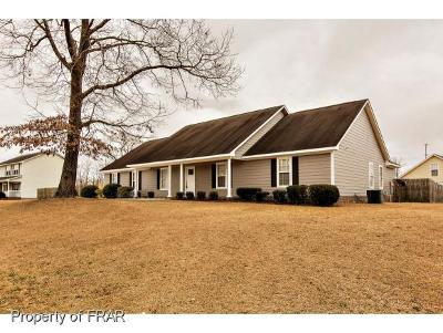 Raeford Single Family Home For Sale: 112 Forest Creek Dr