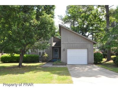 Hope Mills Single Family Home For Sale: 300 Wedge Ct