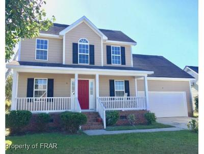 Hope Mills Single Family Home For Sale: 5525 Walking Trail Way