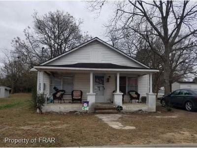 Sampson County Single Family Home For Sale: 215 West Boney Street