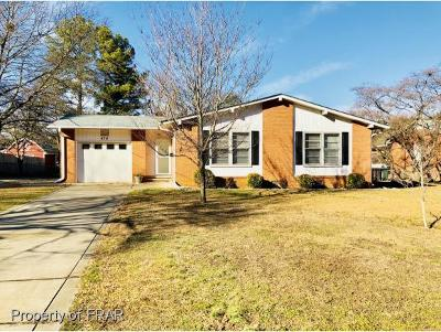 Fayetteville Single Family Home For Sale: 474 Waterbury Drive #16